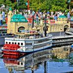 Gespiegeltes im  LEGOLAND® Deutschland Resort in Nürnberg