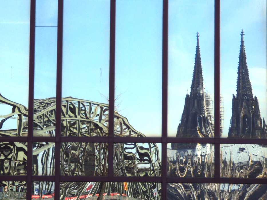 Gespiegeltes Köln im Hyatt