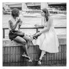 Gespräch an der Themse