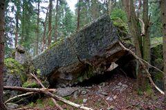 gesprengter Bunker aus dem 2. Weltkrieg