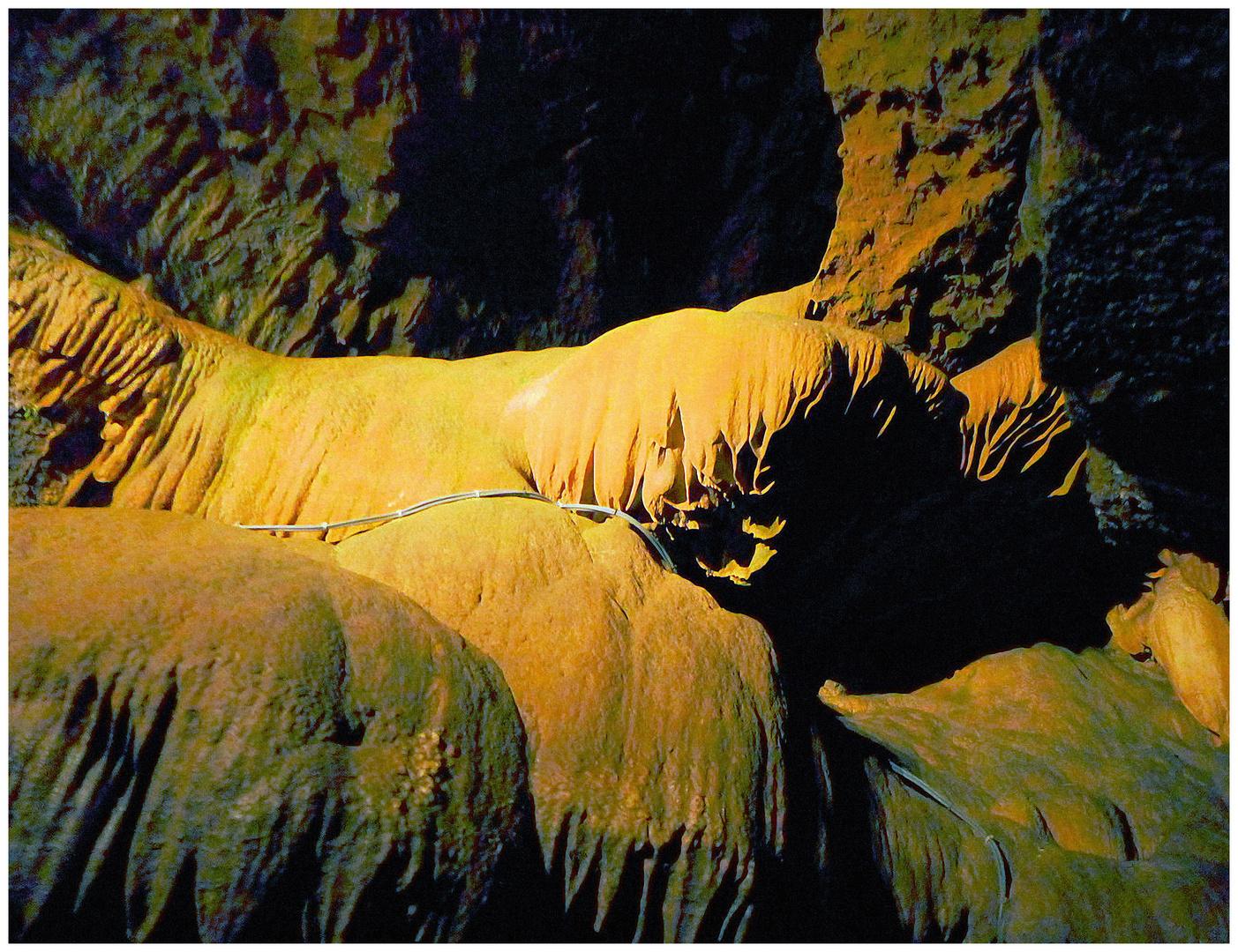 Gesteinsformationen in der Unterwelt