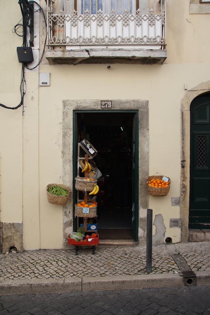 Get your Vitamins here - Lisboa