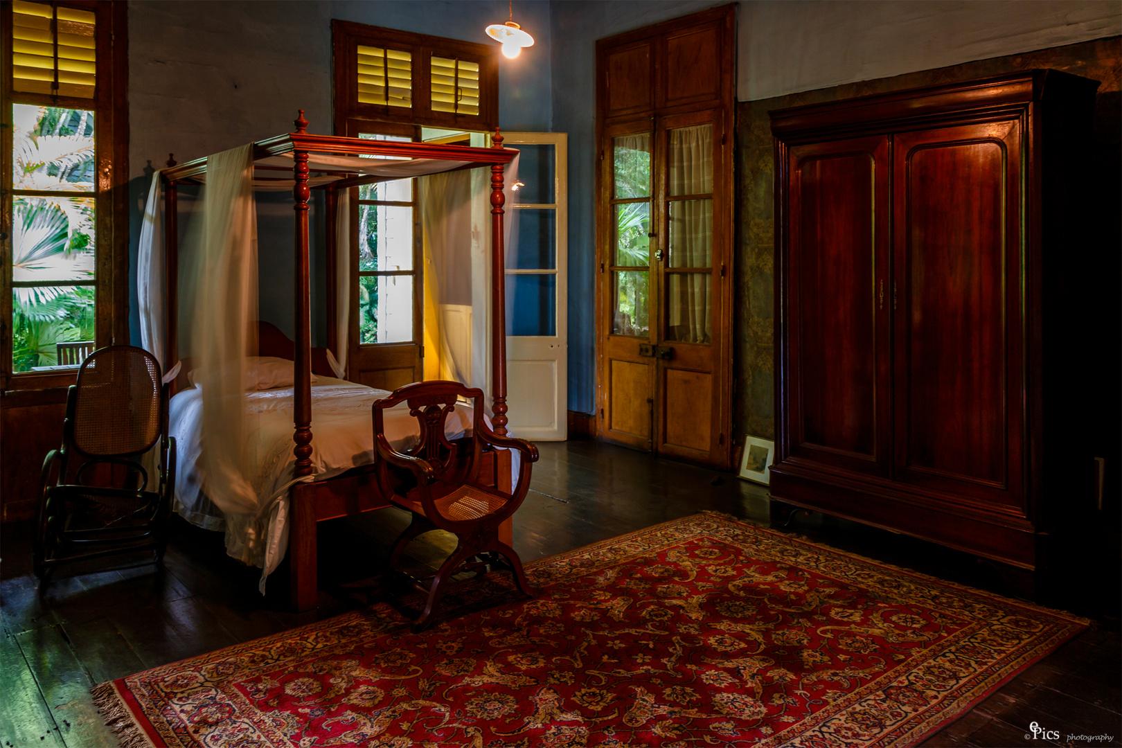 getrennte schlafzimmer? Foto & Bild | mauritius, antik, bett Bilder ...
