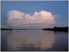 Gewitter auf dem Amazonas