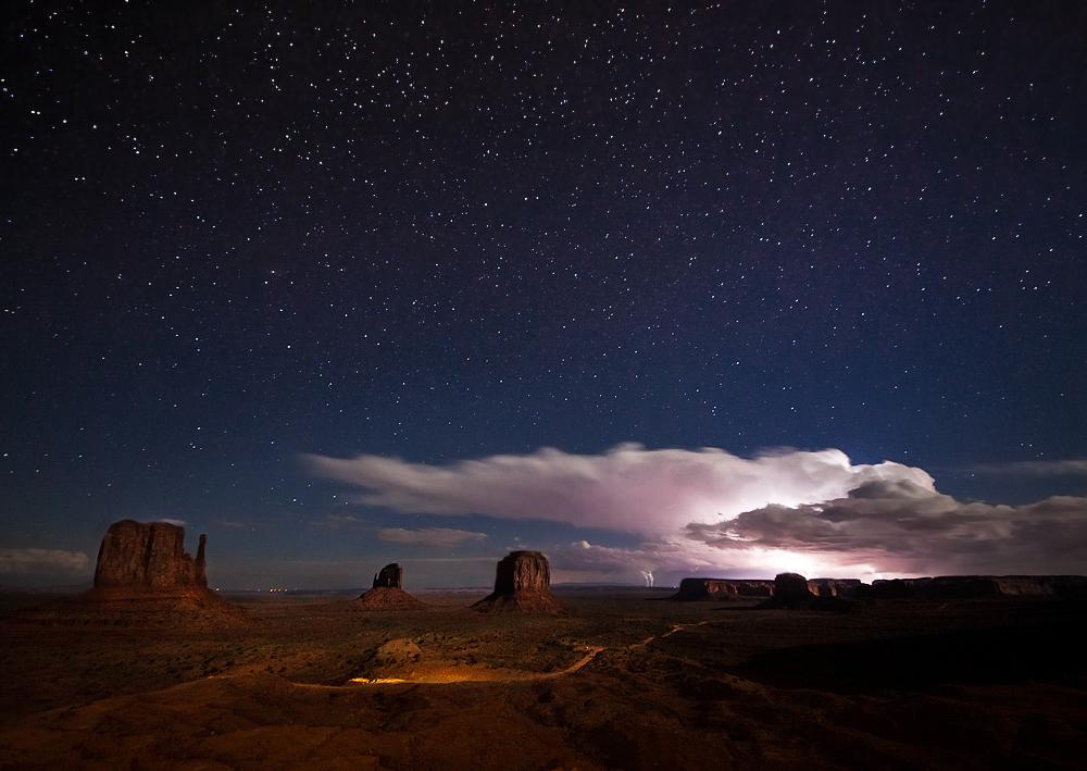 Gewitternacht über Monument Valley
