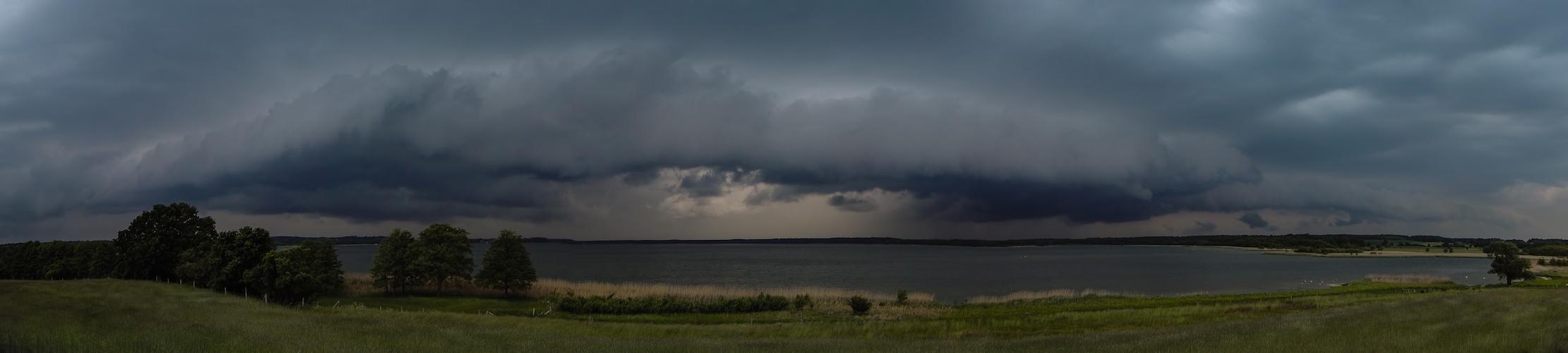 Gewitterstimmung über dem Grimnitzsee ...