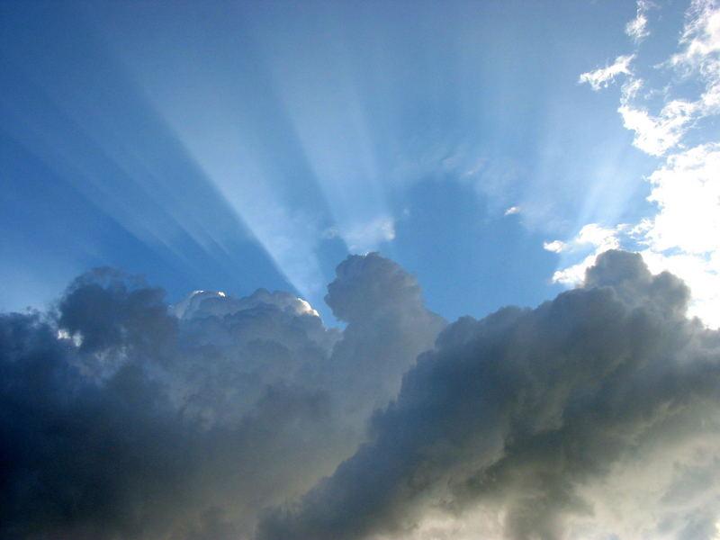 Gewitterwolke vs. Sonne