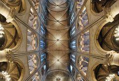 Gewölbe in der Notre Dame