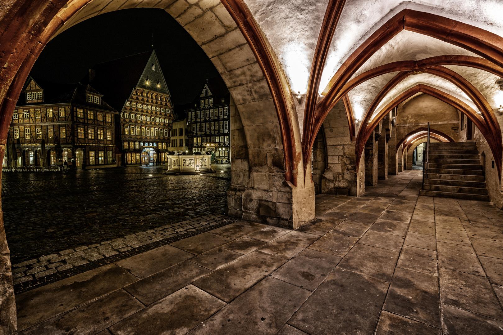 Gewölbegang und Altstadt