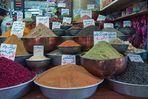 Gewürze und Kräuter im Wakil-Bazar (1)