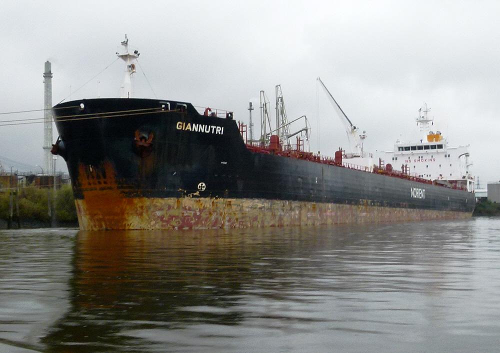 Giannutri   Chem.- Öl Tanker