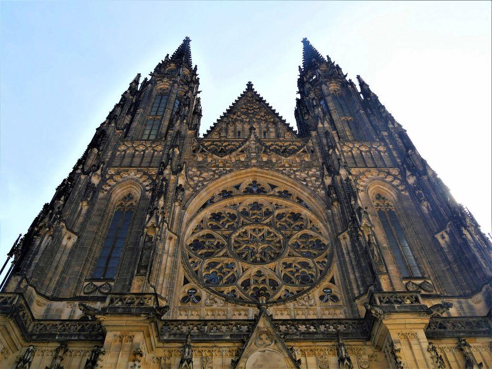 Giebelseite St. - Veitsdom in Prag