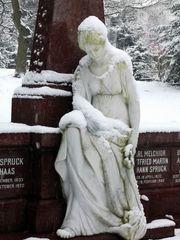 Giessen-Alter-Friedhof-Schneeimpressionen