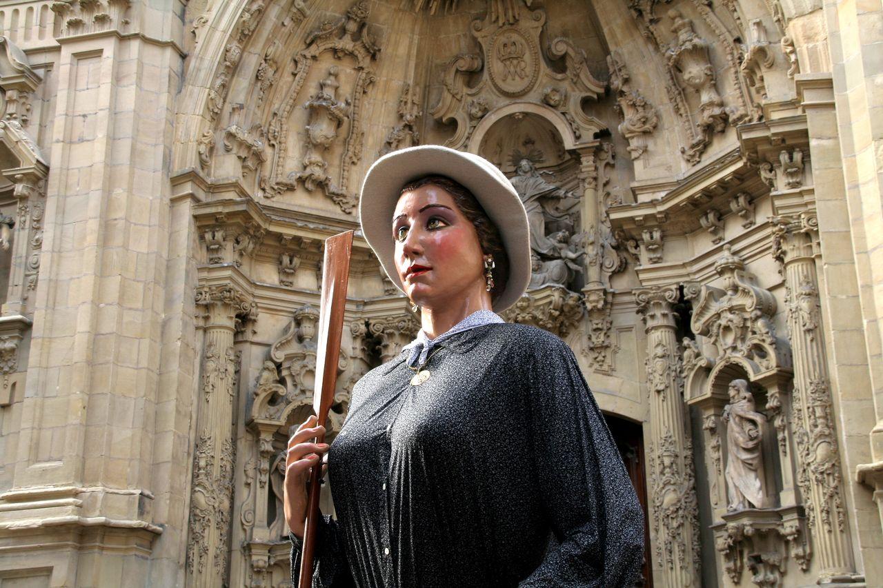Gigantes y cabezudos en las fiestas de Aste Nagusia en San Sebastián (agosto de 2011)