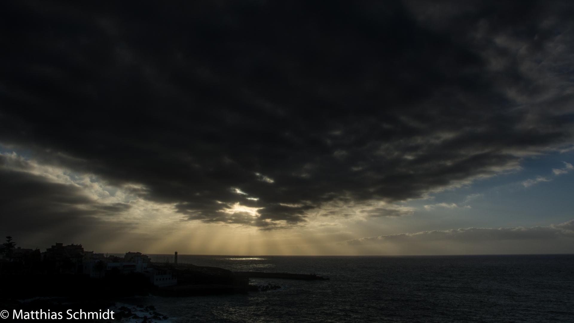 Gigantische Wolken über Puerto de la Cruz