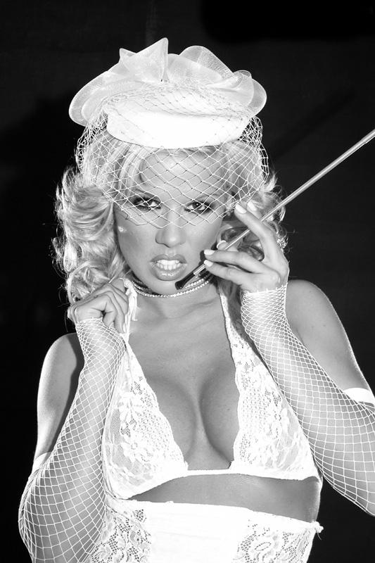 Ginger Jones_balck&white