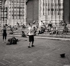 ..Giocoliere in piazza San Lorenzo..