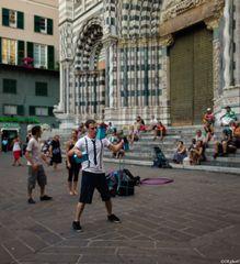 ..Giocoliere in piazza San Lorenzo..2
