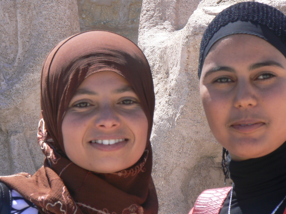 giovani donne a Sousse
