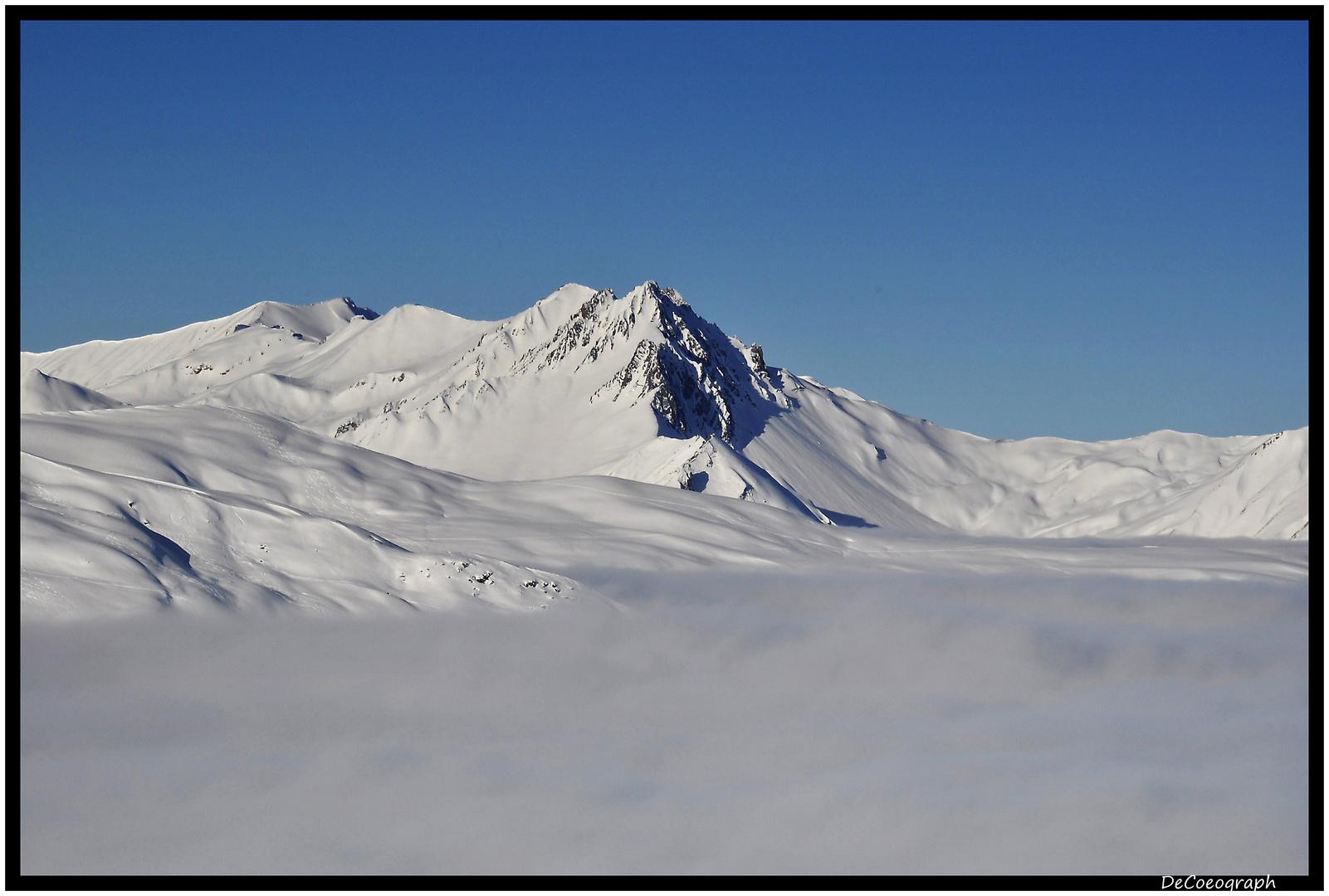 Gipfel im Wolkenmeer