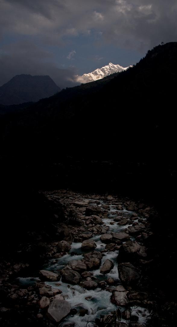 Gipfel über der Kali Gandaki