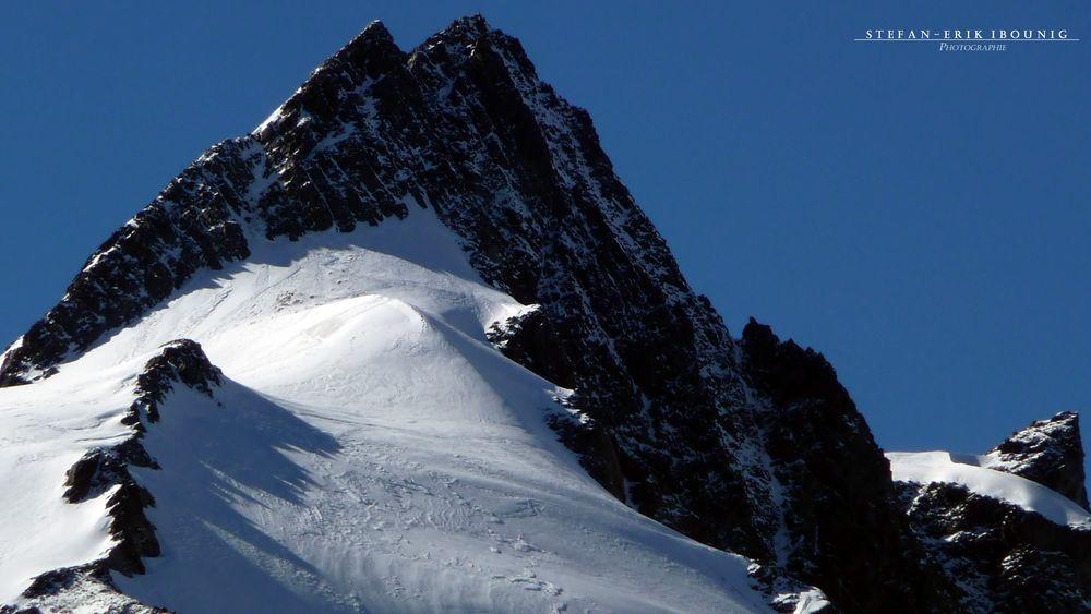 """ Gipfelkreuz am Großglockner 3798m """