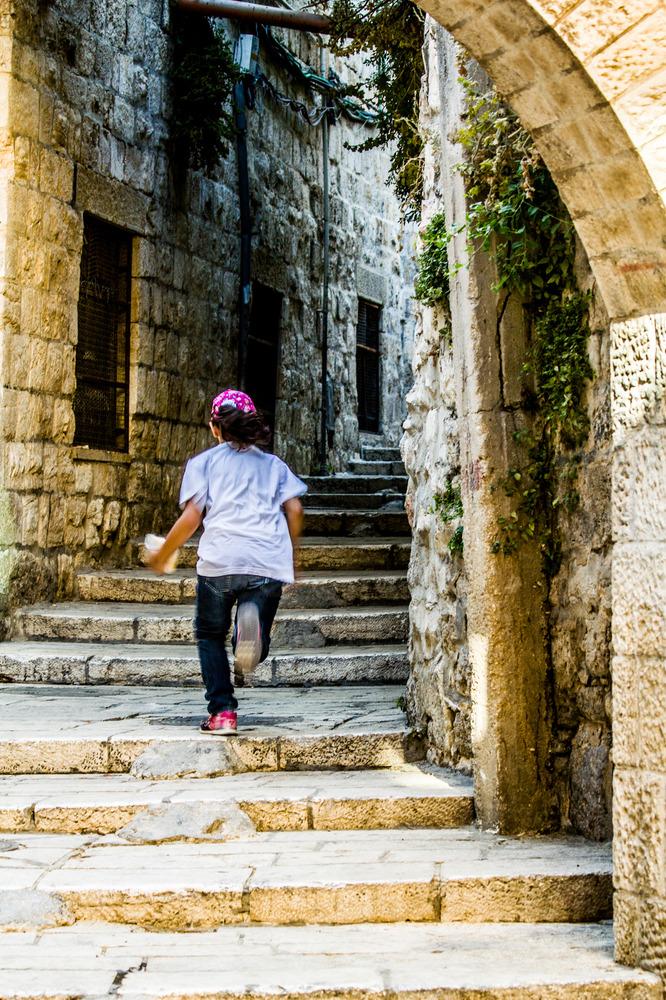 Girl in the streets of Jeruzalem