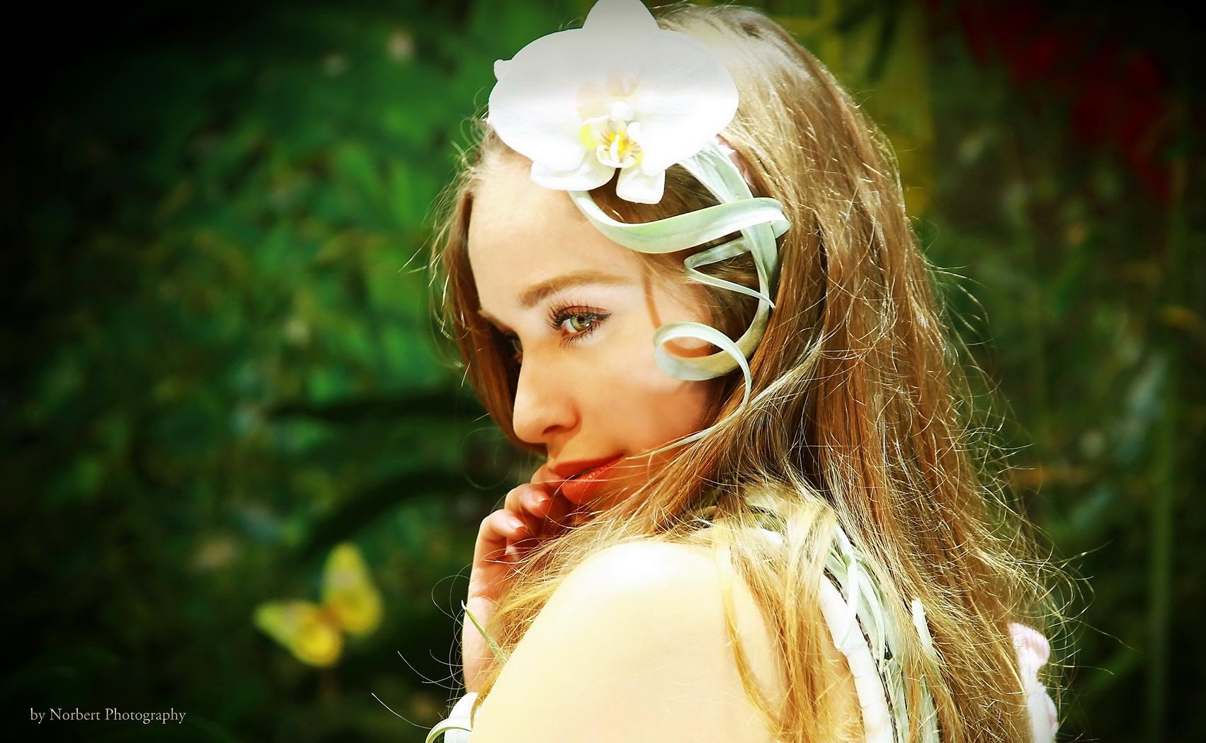 Girl-Photokina-3