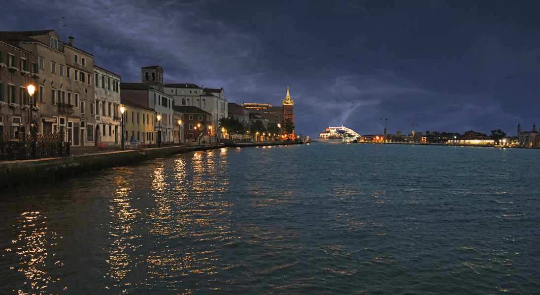 Giudecca samtige Nacht in blau - Venedig -