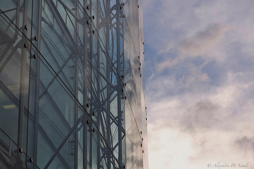 - Glas-Fassade II -