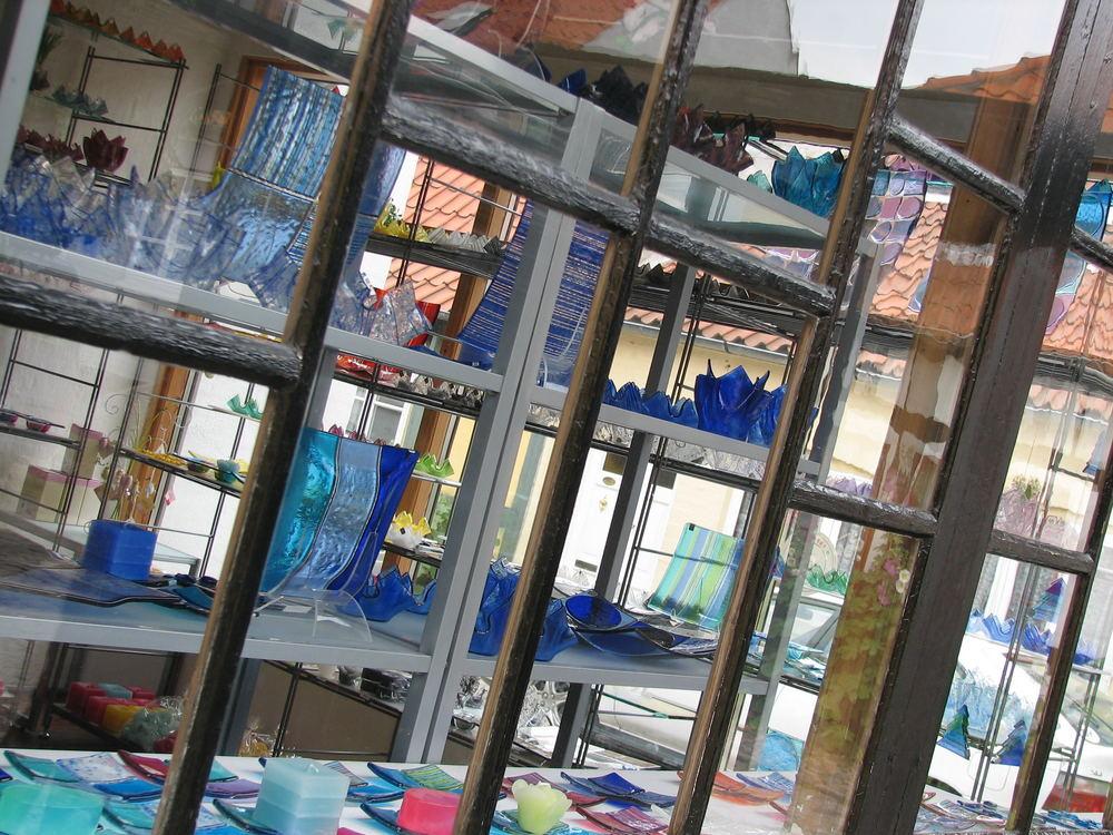 glas hinter glas foto bild europe scandinavia. Black Bedroom Furniture Sets. Home Design Ideas