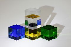 Glas . . . Licht . . . Farbe