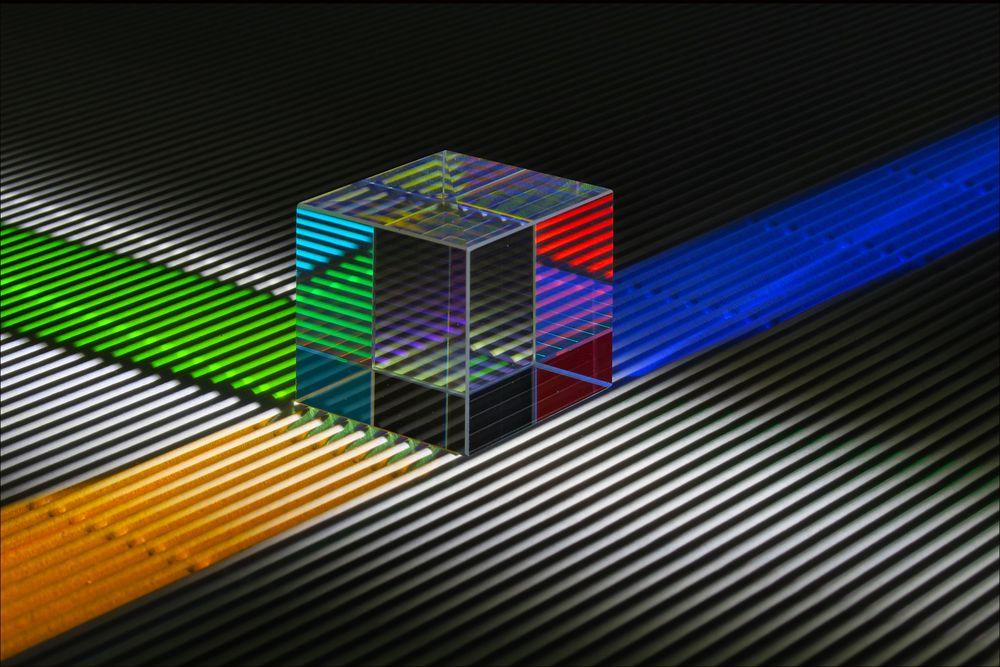Glas . Licht . Papier