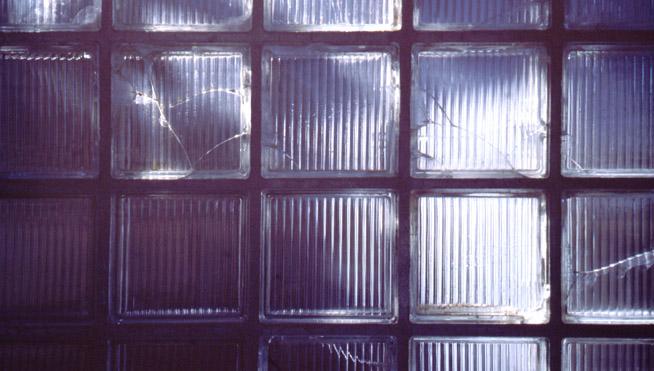Glasbausteine im Licht