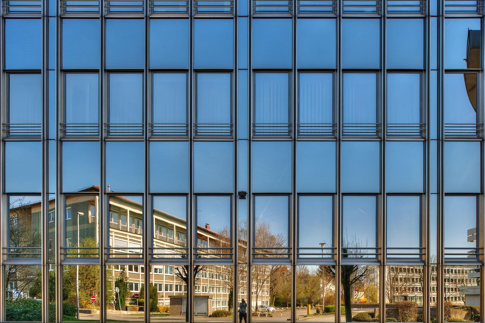 Glasfassade  Glasfassade, Wiesbaden Foto & Bild | abstraktes, linien, glas Bilder ...