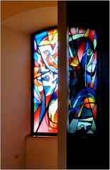 ... Glasfenster + retsnefsalG ...