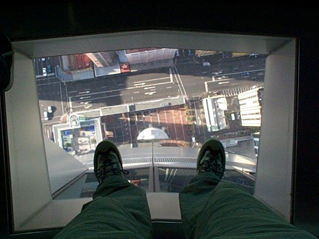 Glasfußboden im Skytower (Auckland/Neuseeland)