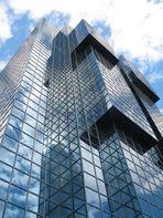 Glasgebäude an der Themse in London