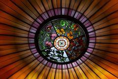 Glaskunst in der Dachkuppel im Foyer des Hotel Vierjahreszeiten Kempinski in München