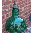Glaslampe mit Spiegelung