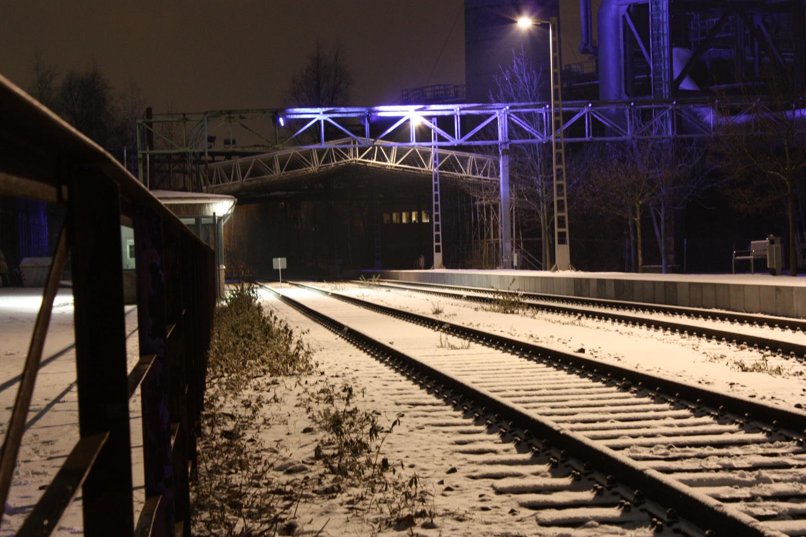 Gleisen im Schnee