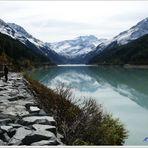 Gletscherstausee mit Blick zum Gletscher