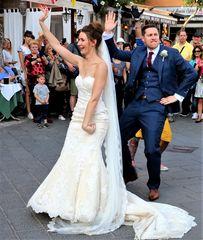 Gli allegri sposi  ballerini....