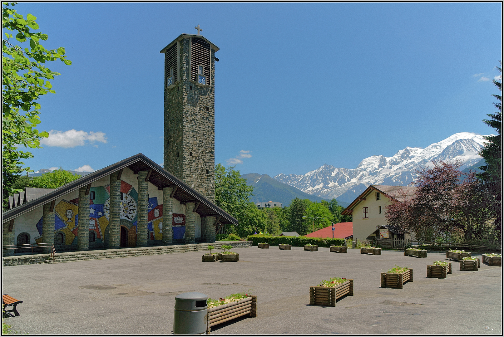 Église Notre-Dame-de-Toute-Grâce du Plateau d 'Assy