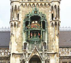 Glockenspiel am Neuen Rathaus in München II