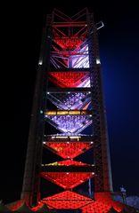 Glockenturm Rot-Lila