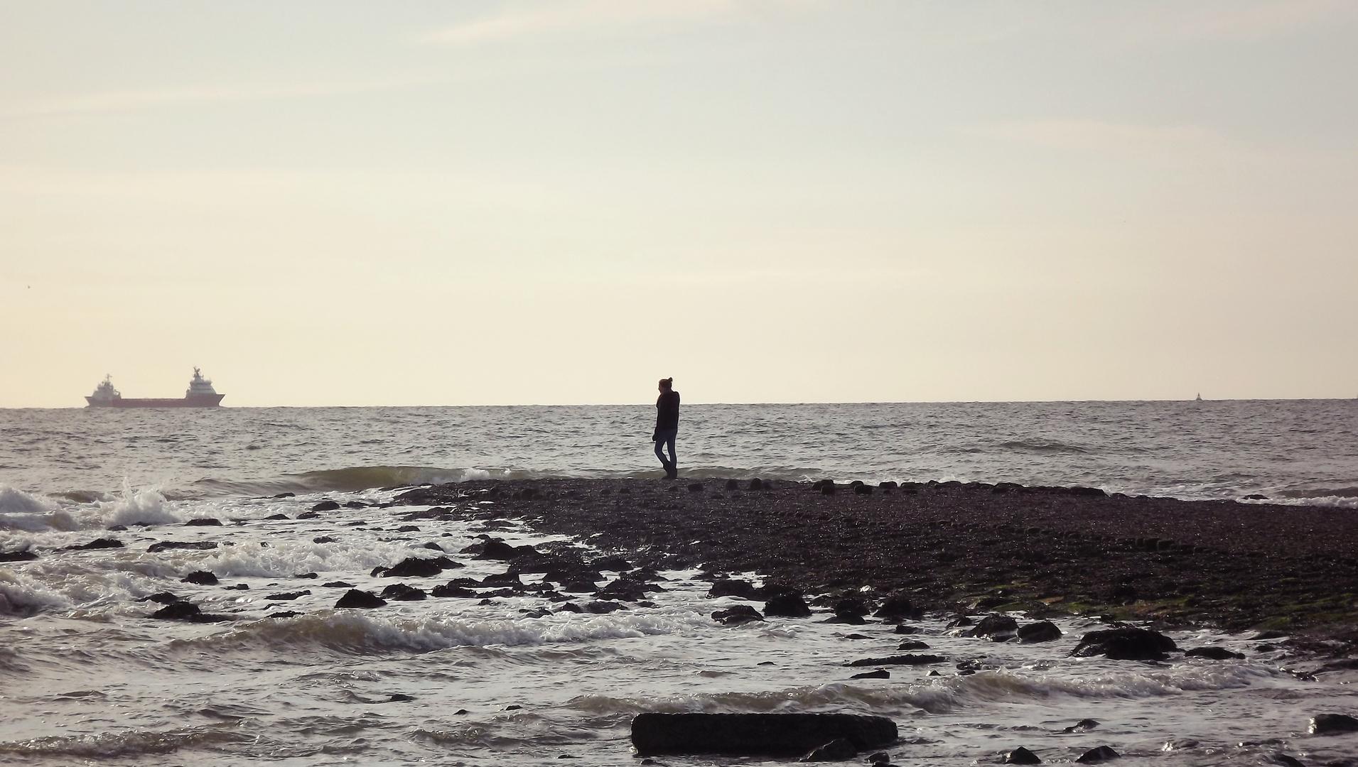 Glück ist wie das Meer - die Wellen kommen auch immer wieder.