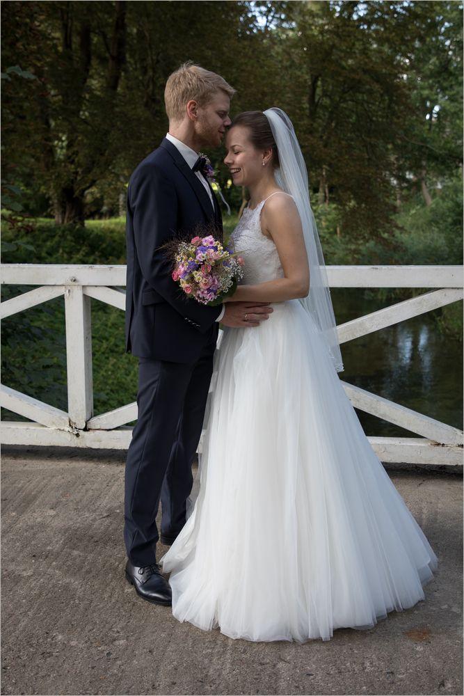 Verheiratete frauen suchen verheiratete männer