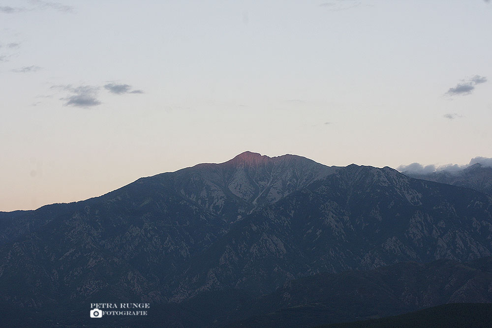 glühender Gipfel des Canigou