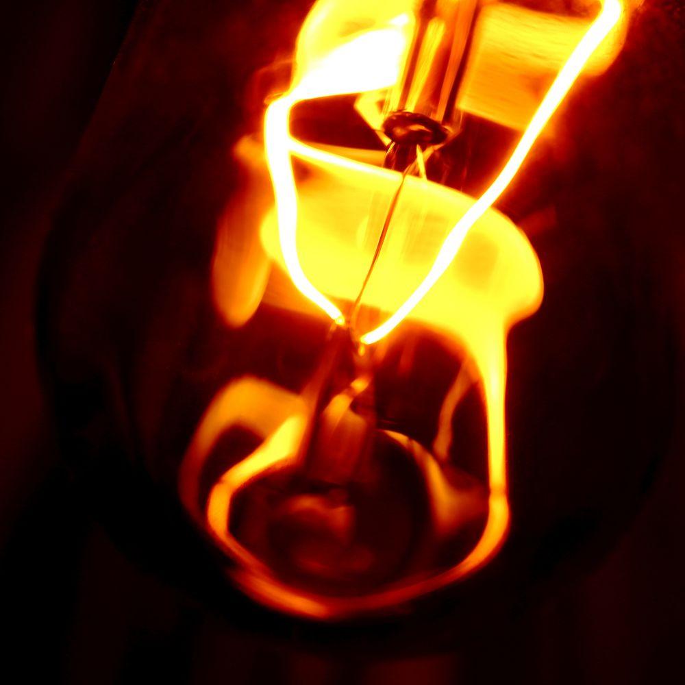 Glühlampe - filament lamp - ampoule